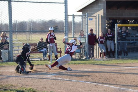 RBHS Softball Begins Season